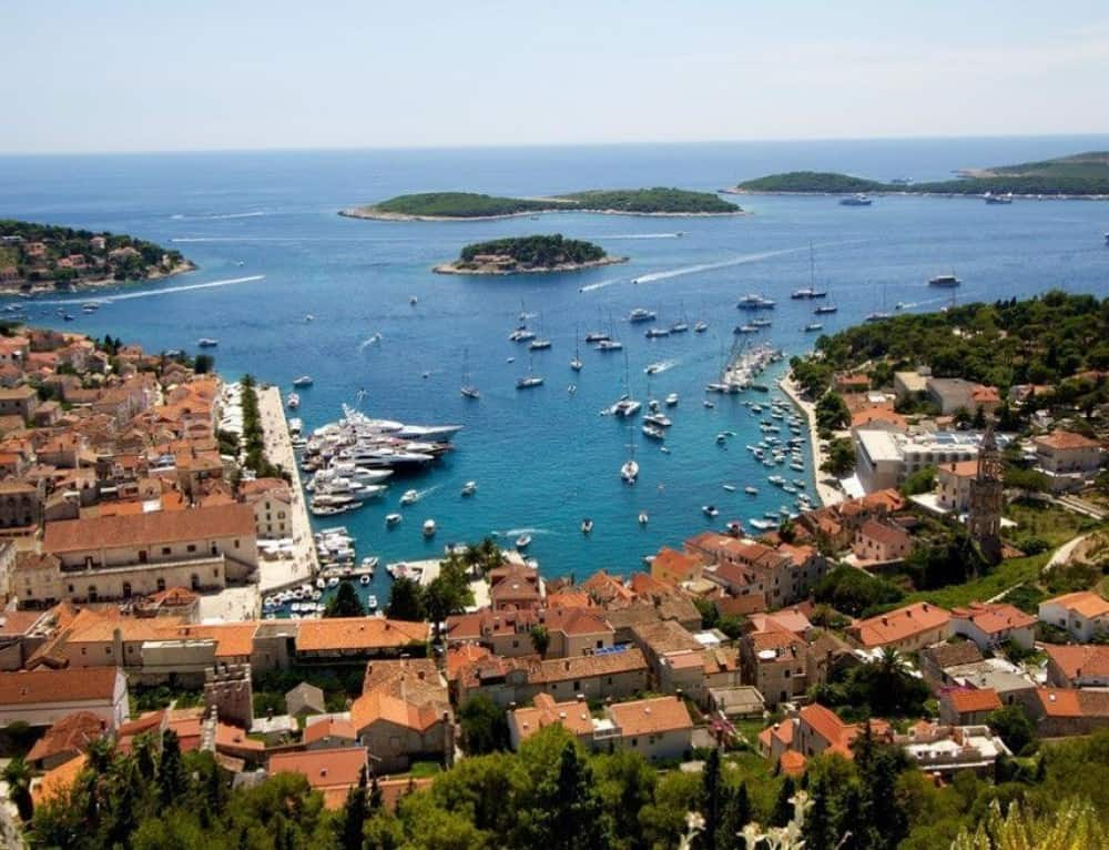 When less is more the secret of croatia s culinary for Hvar tourismus